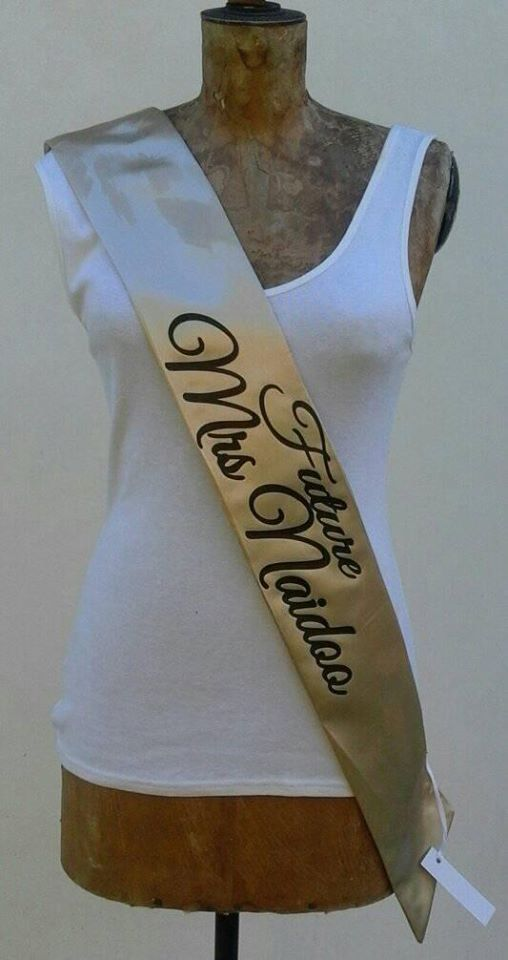future-mrs--personalised--satin-sash-gold--black-