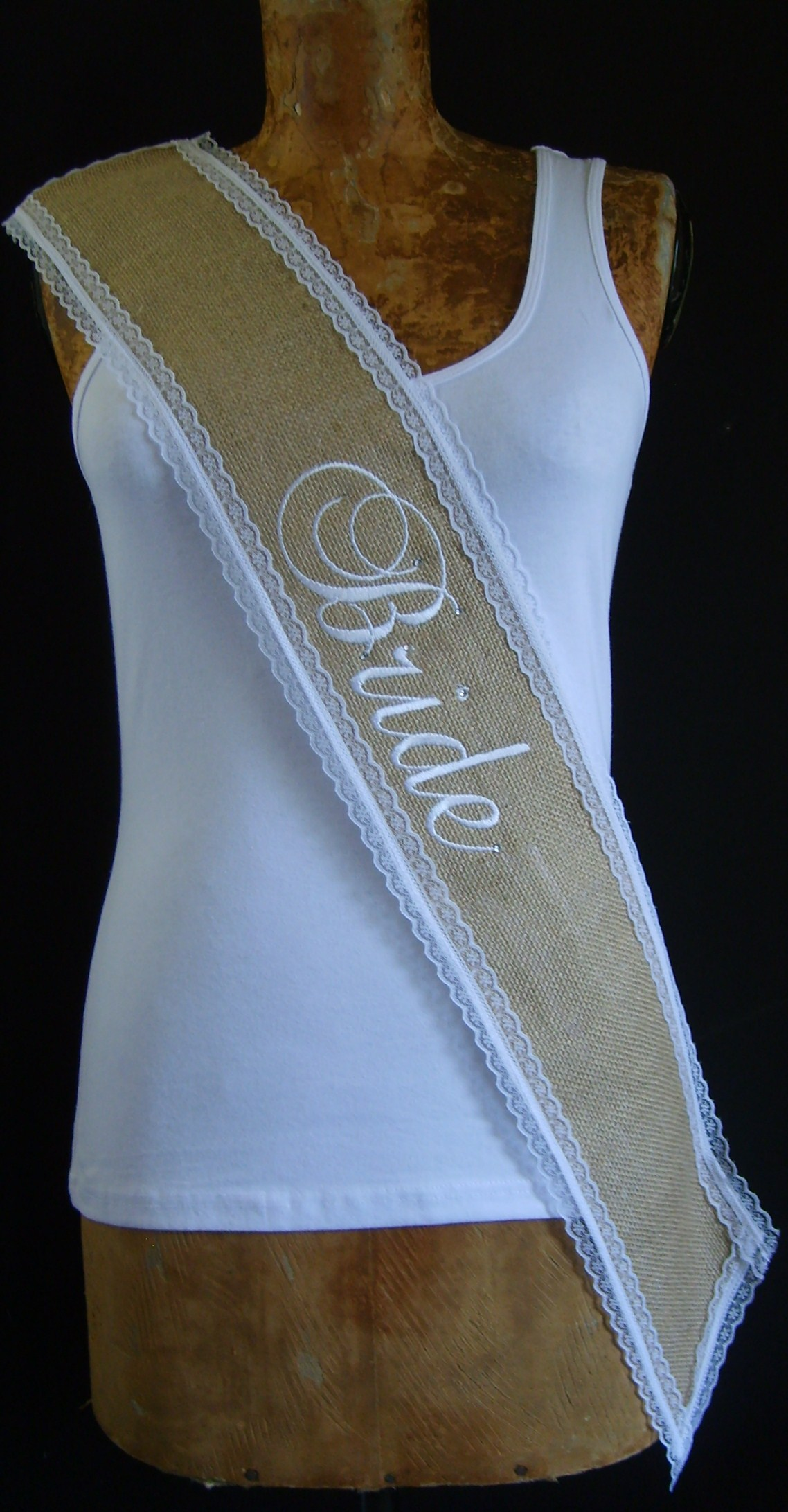 hessian-&amp-lace-sash-002