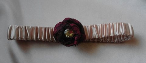 satin-&amp-rose--garter-