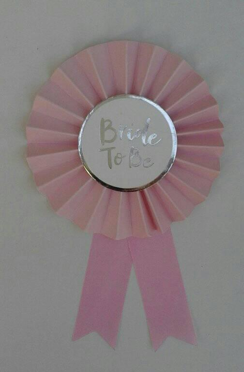 bride-to-be--boutonniere--silver