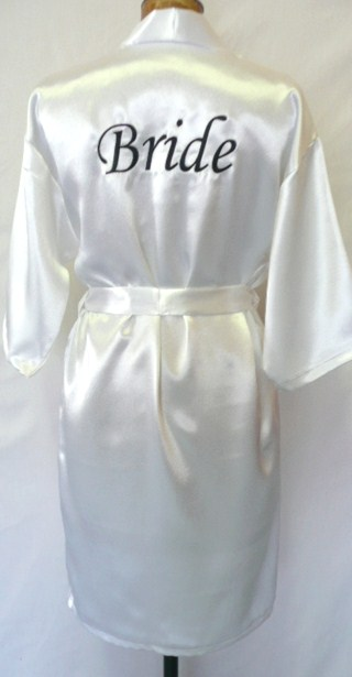 satin-robe--white-&amp-black-001