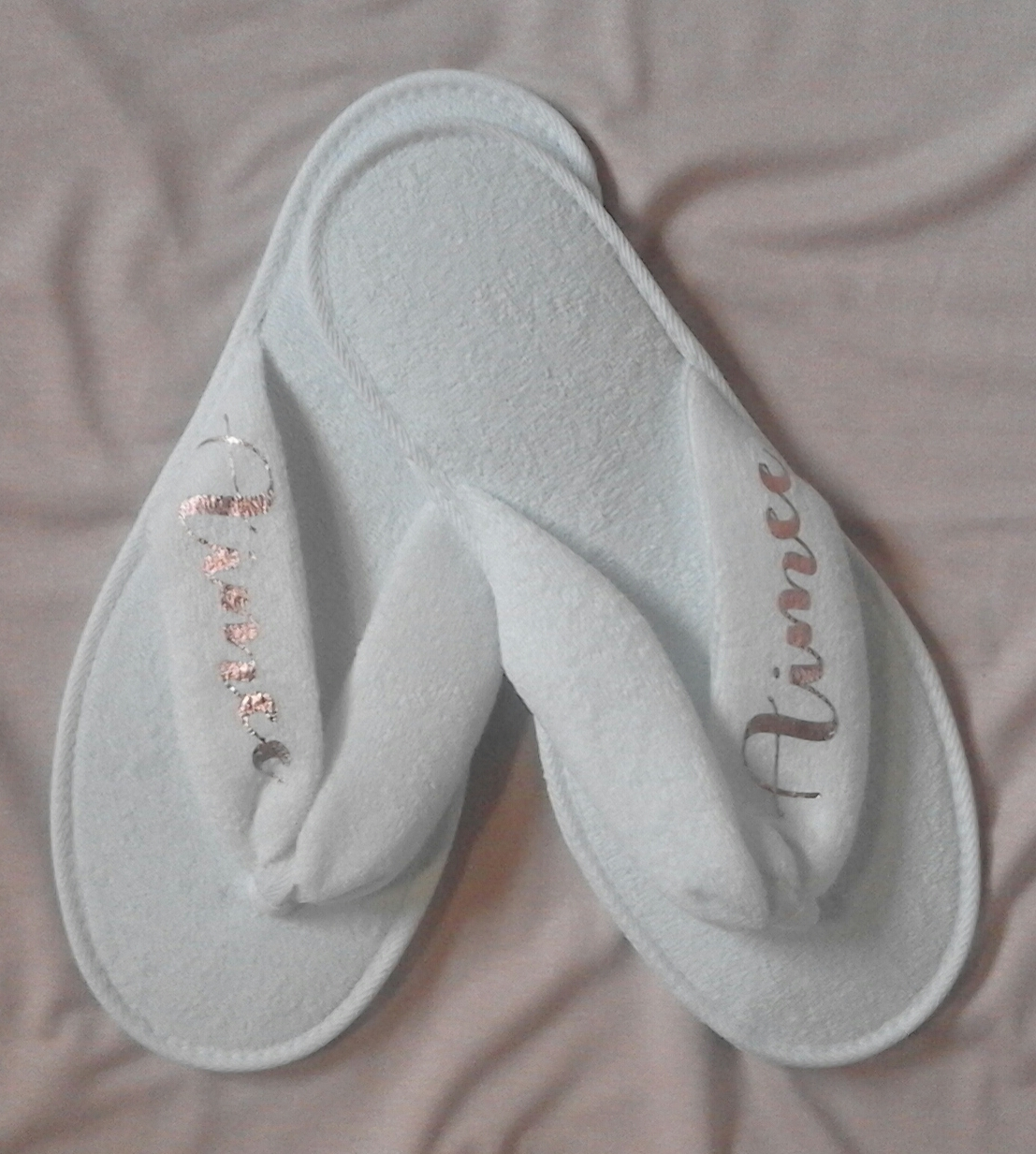 slippers--ladiesmen's-kids-slippers--open-toe-thong-&amp-closed-toe-style-